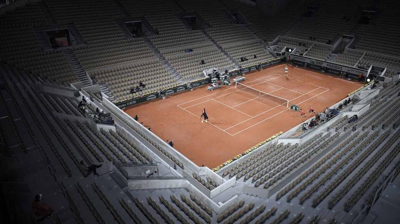 La soledad de los tenistas ante la inmensidad de una pista central
