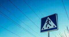 La Fiscalía censura el machismo de algunas señales de tráfico