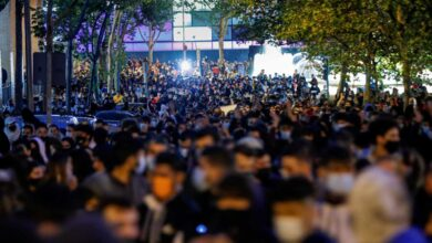 """Cientos de madrileños vuelven a protestar junto a la Asamblea contra la """"segregación clasista y la represión"""""""