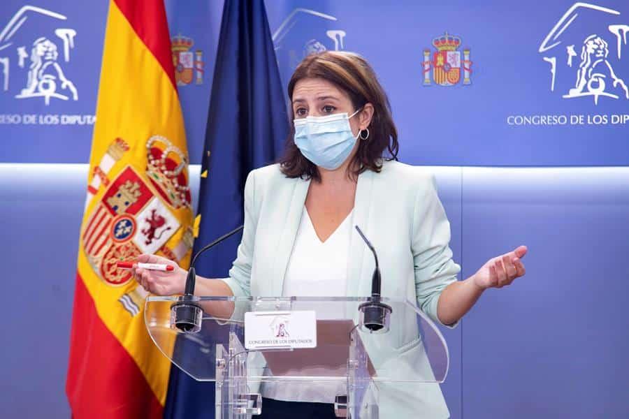 La portavoz socialista, Adriana Lastra, en el Congreso de los Diputados.