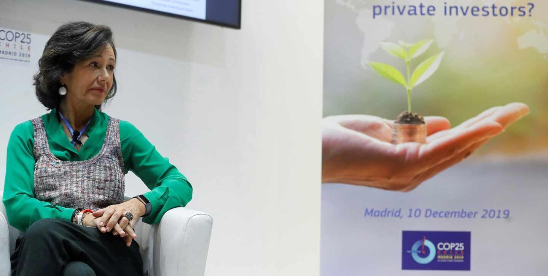 La presidenta de Santander, Ana Botín, en una conferencia sobre finanzas sostenibles.