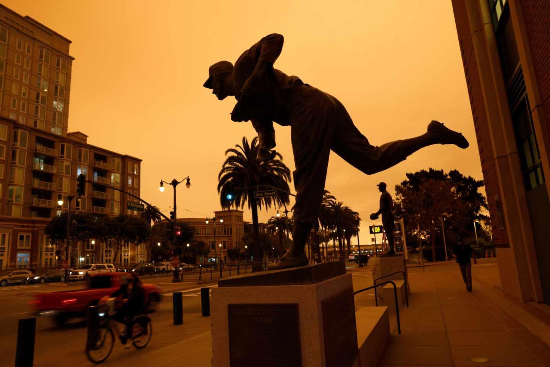 Los incendios forestales vuelven naranja el cielo de San Francisco
