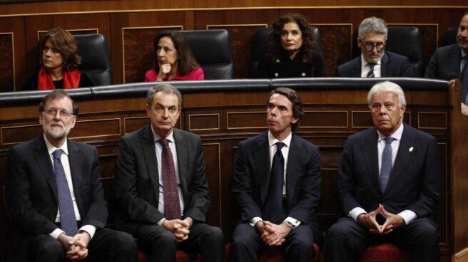 Los ex presidentes del Gobierno Mariano Rajoy, José Luis Rodríguez Zapatero, José María Aznar y Felipe González en el acto conmemorativo del 40º aniversario de la Constitución.
