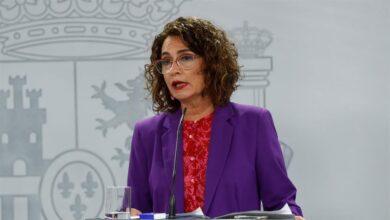 Montero cede y permite ahora que los ayuntamientos puedan usar sus ahorros
