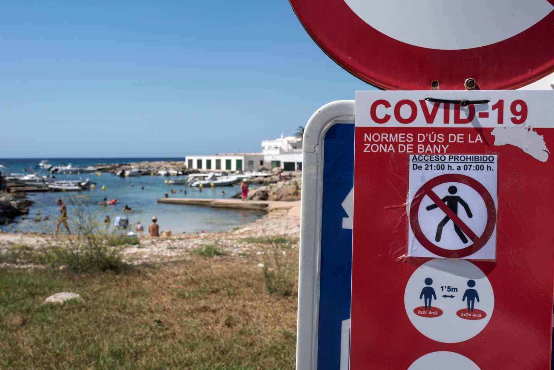La llegada de turistas a España se hunde un 77% en 2020.