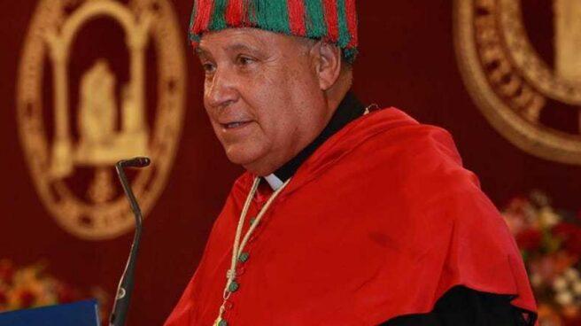 El sacerdote Silverio Nieto, en la apertura de un curso universitario.
