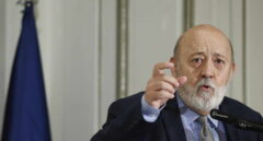 Tezanos defiende su empate en Madrid pese a que los expertos critican que el CIS asignó mal los escaños