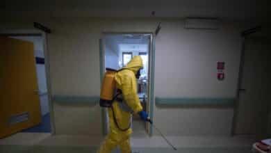 La OMS informa de un récord semanal de contagios de Covid en el mundo, con más de 2,8 millones
