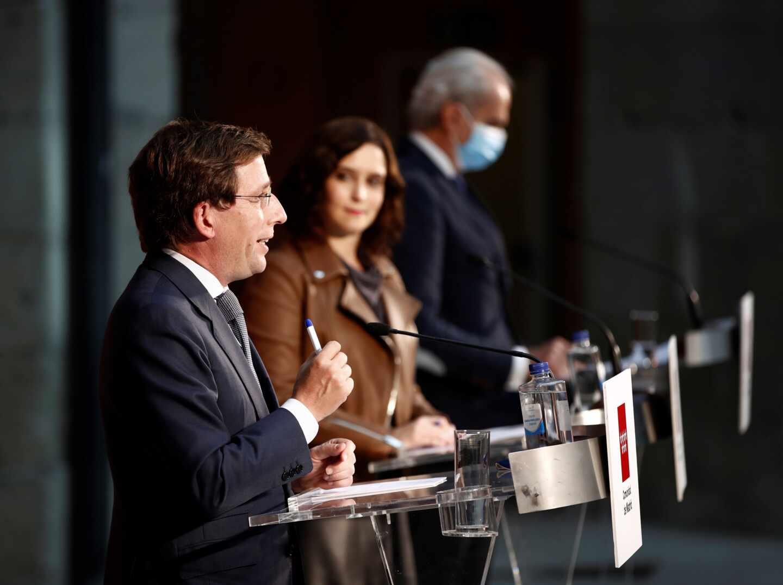 Ayuso y Almeida comparecen por la situación epidemiológica en Madrid.
