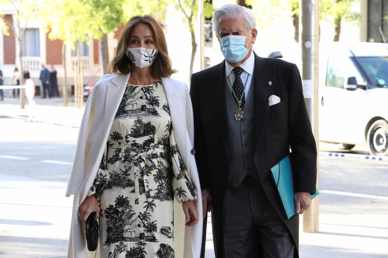 Isabel Preysler y Mario Vargas Llosa en laa pertura del curso académico de las Reales Academias, este miércoles en Madrid.