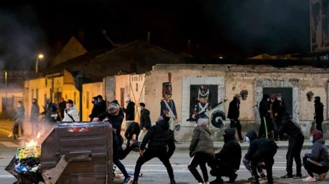 Disturbios en Burgos tras la protesta contra las restricciones.