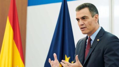 Sánchez admite discrepancias con Podemos y defiende a Felipe VI