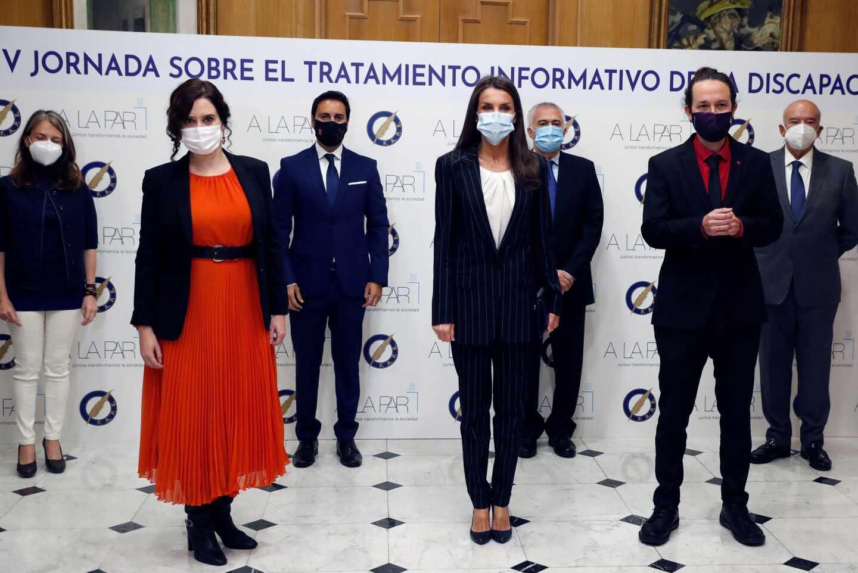 Isabel Díaz Ayuso, la Reina Letizia y Pablo Iglesias, en la Asociación de la Prensa de Madrid.