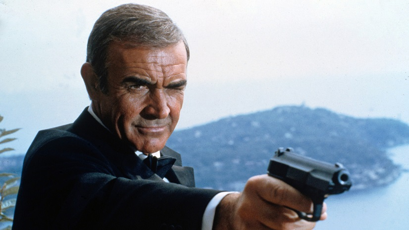 Sean Connery, como James Bond.