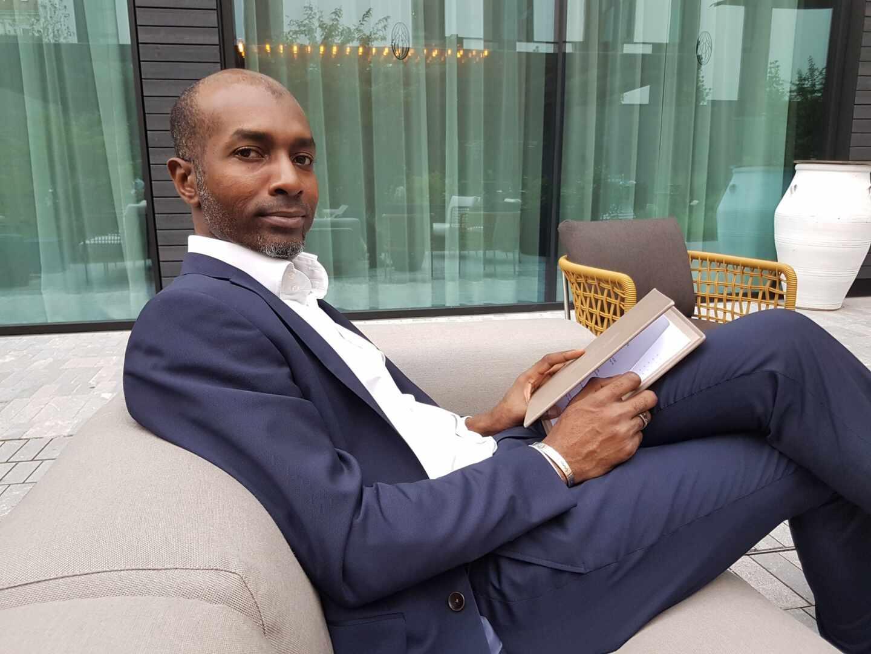 El príncipe africano Randy de Benín en su cuenta de Twitter.