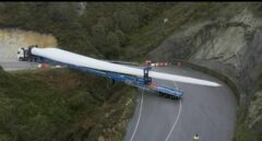 Así se construye en España un parque eólico en lo más alto de una montaña