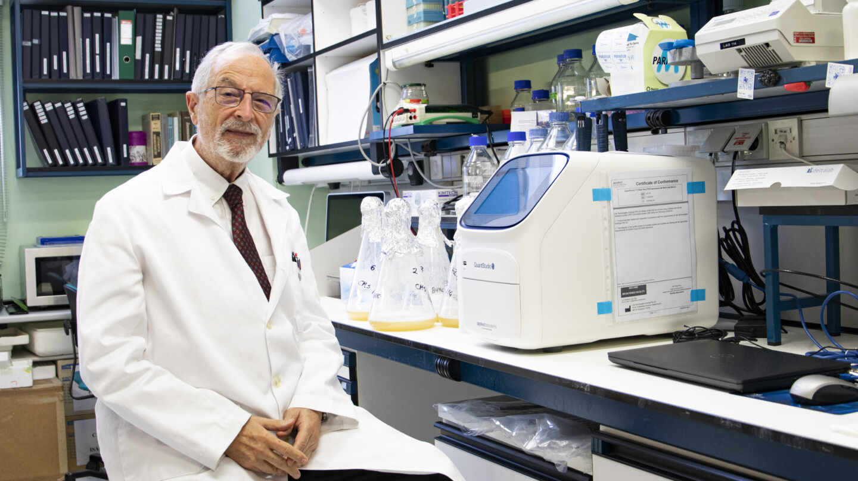 Luis Enjuanes, en el Centro Nacional de Biotecnología