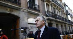 El juez investiga si dos pagos al PP anotados por Bárcenas fueron a cambio de adjudicaciones