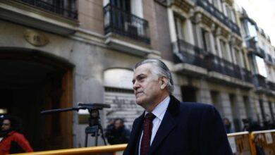 Las acusaciones ven claro que el juez puede investigar los contratos de Aznar entre 2002 y 2004