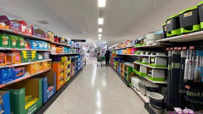 Estantes de un supermercado.