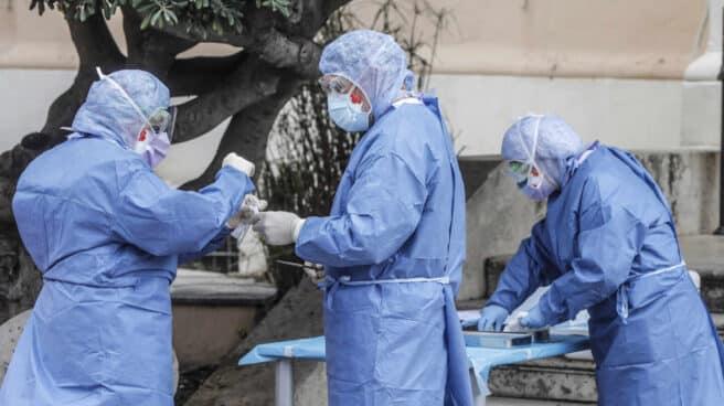 Sanitarios del Hospital Clínico-Malvarrosa de Valencia.