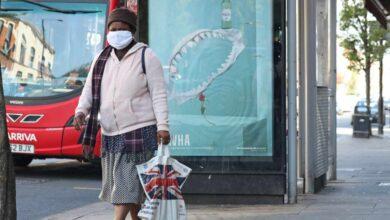 Reino Unido traslada a ancianos contagiados a residencias sin medidas anti Covid