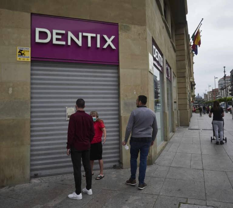 Nueva quiebra en el sector dental, ¿en qué se parecen y diferencian Dentix e iDental?