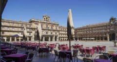 Terrazas vacías en la Plaza Mayor de Salamanca.