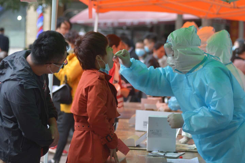 Test por coronavirus en China.