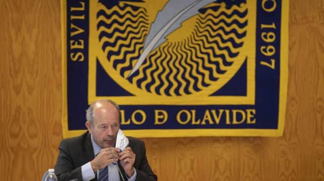 El ministro de Justicia, Juan Carlos Campo, pronuncia una conferencia en la Universidad Pablo de Olavide de Sevilla.