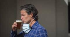 Andalucía ordena la mascarilla obligatoria en los bares