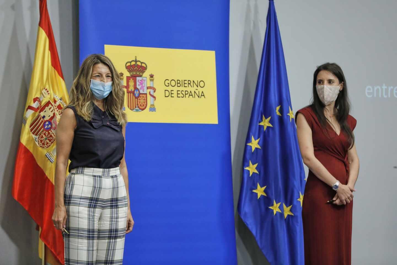 La ministra de Trabajo, Yolanda Díaz y la ministra de Igualdad, Irene Montero