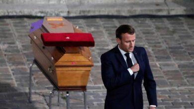 Macron rinde homenaje al profesor Paty como símbolo de la libertad y la República