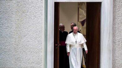 Un nuevo ataque de ciática obliga  al Papa Francisco a cancelar parte de su agenda