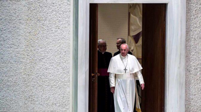 El Papa Francisco se somete a una operación quirúrgica por un problema de colon