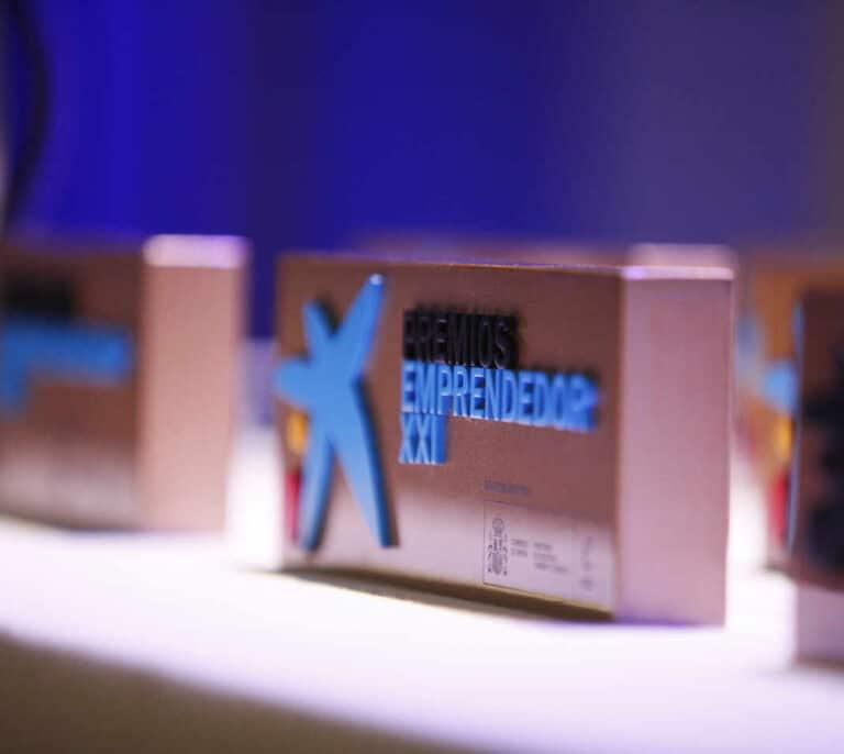 """CaixaBank y Enisa lanzan una nueva edición de los Premios EmprendedorXXI para """"start-ups"""" innovadoras"""