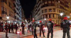 """Vecinos de Bilbao, contra los altercados por las restricciones: """"¡Niñatos, a vuestra casa!"""""""