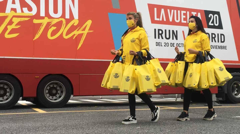 Azafatas de Correos en la vuelta ciclista de 2020,