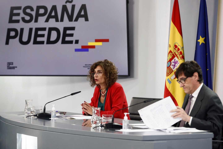 Montero e Illa, tras el Consejo de Ministros.