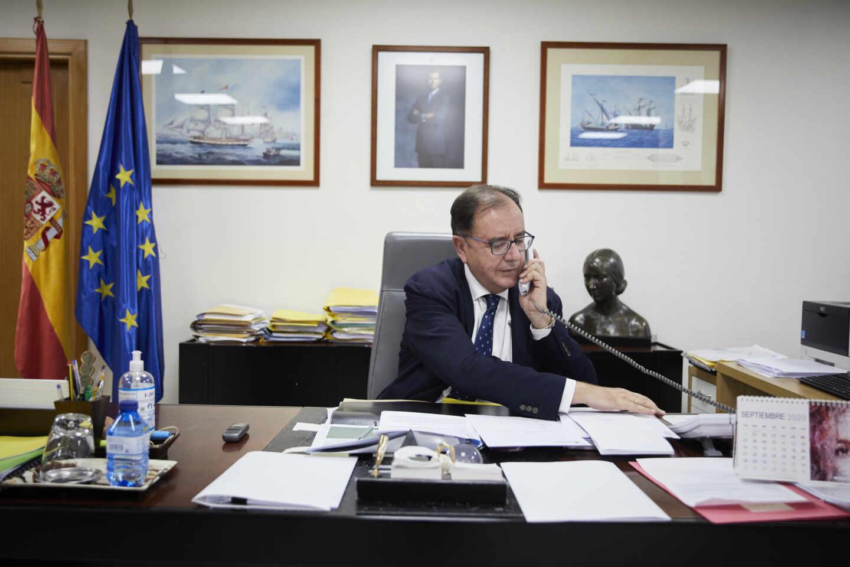 El secretario general de Instituciones Penitenciarias, Ángel Luis Ortiz, durante una entrevista.