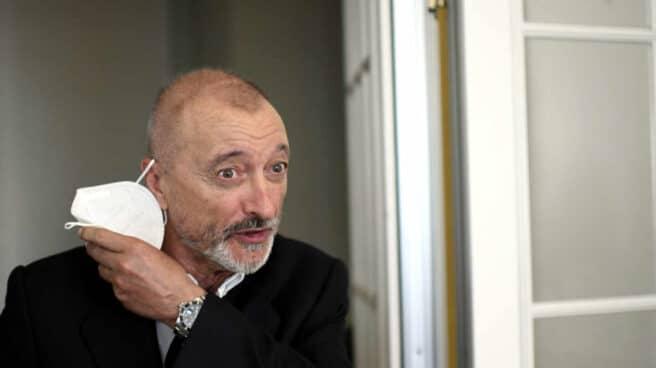 Arturo Pérez-Reverte, durante una entrevista.