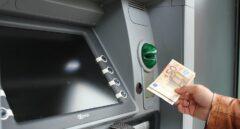 Una vecina de Albacete entrega 500 euros que encontró en un cajero automático