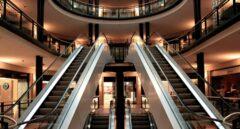 Los centros comerciales reabren este lunes en Cataluña al 30% de su aforo