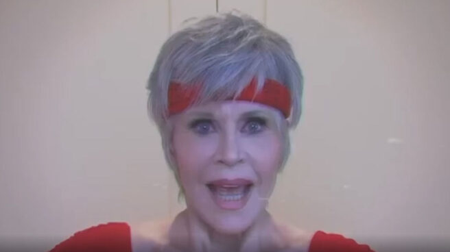 Jane Fonda rememora sus VHS de aeróbic para pedir el voto a los ciudadanos.