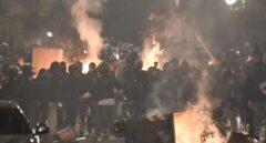 Disturbios en Nápoles durante una manifestación contra el toque de queda
