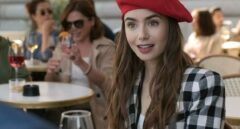 'Emily en París': un exceso de croissants, baguettes y simplismo que avergüenza a los franceses