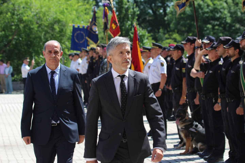 El ministro Grande-Marlaska y el director general de la Policía, Francisco Pardo Piqueras.