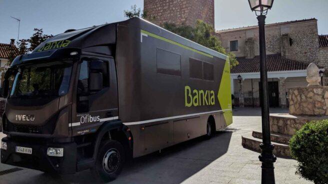 Bankia ofrece servicio en las zonas rurales a través de autobuses.