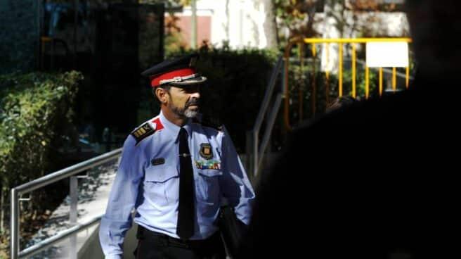 Josep Lluís Trapero, saliendo de declarar de la Audiencia Nacional durante la fase de instrucción.