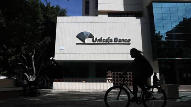 Edificio de la sede de Unicaja Banco en Málaga.